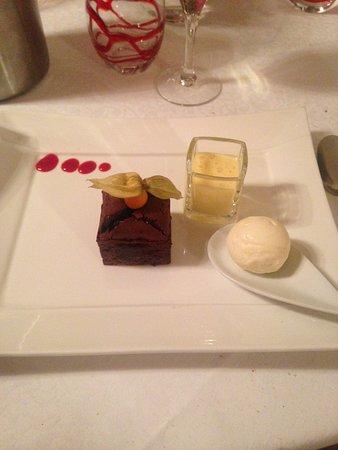 Guilliers, Francja: Moelleux au chocolat boule de glace
