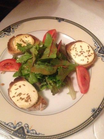 Guilliers, Francja: Salade de chèvre chaud