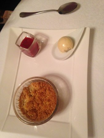 Guilliers, France: Crumble