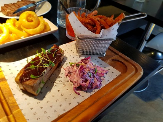 CAU - Reading: BBQ Porkbelly with coleslaw and sweet potato fries
