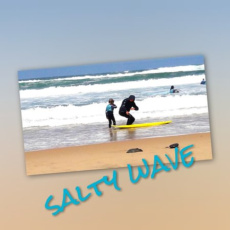 ‪Salty Wave Surf School‬