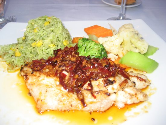 NAVIOS Fusion Mexican Food: guajillo grouper Navios Restaurant, Hotel Zone Cancun