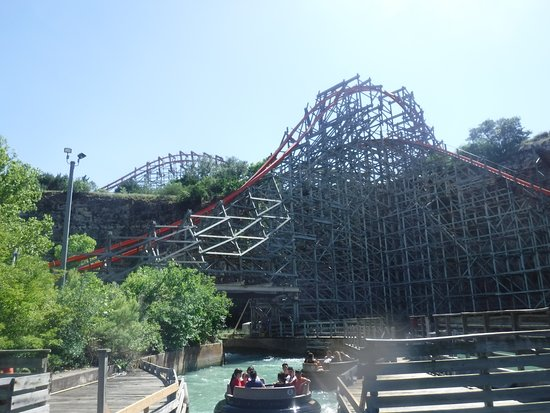 On the raft ride - Picture of Six Flags Fiesta Texas, San