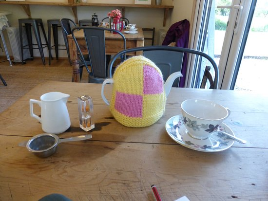 East Harling, UK: Great tea cosy!