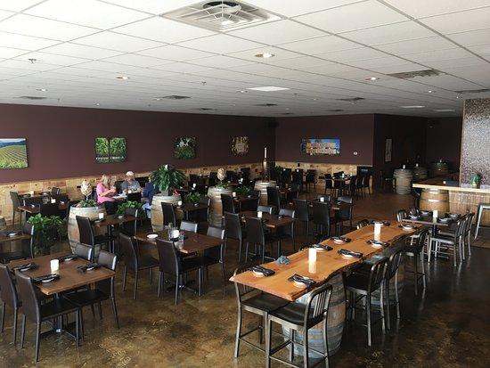 Champlin, MN: Inside of the restaurant