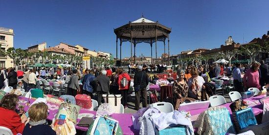 Plaza de Cervantes: Encuentro de bolilleras (05.05.2018)