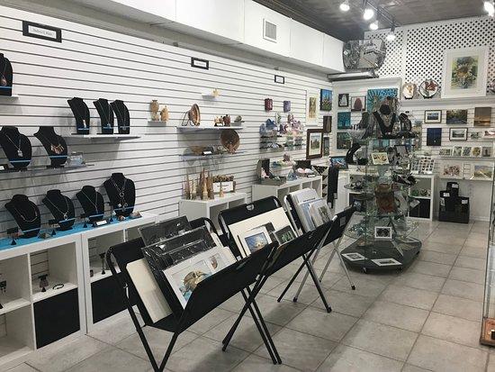 """Mount Dora, FL: The """"back"""" room at Artisans on fifth 5/2018."""