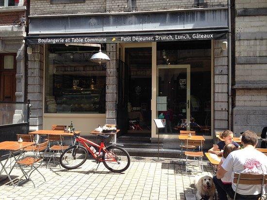 Le Pain Quotidien: 餐廳門口