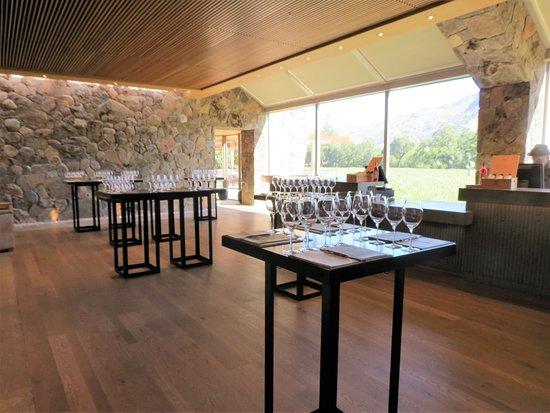 Stag's Leap Wine Cellars: Stag's Leap Wine Cellar's - Indoor Tasting Room