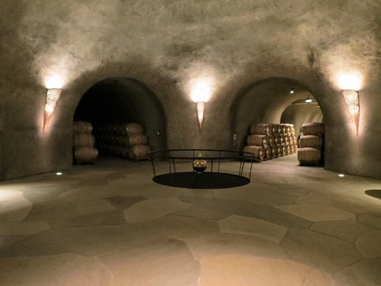 Stag's Leap Wine Cellars: Stag's Leap Wine Cellar's - Round Room with Foucault Pendulum