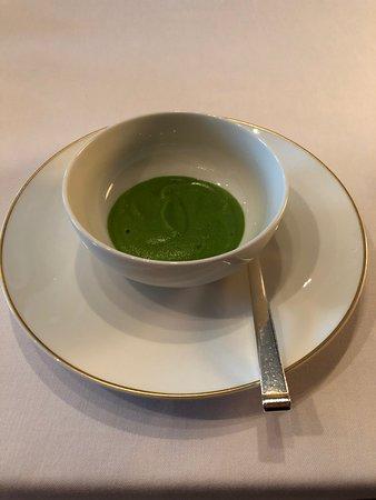 Le Taillevent: amuse of soup