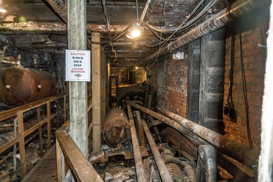 Bill Speidel's Underground Tour: They ave not restored very much of this area.