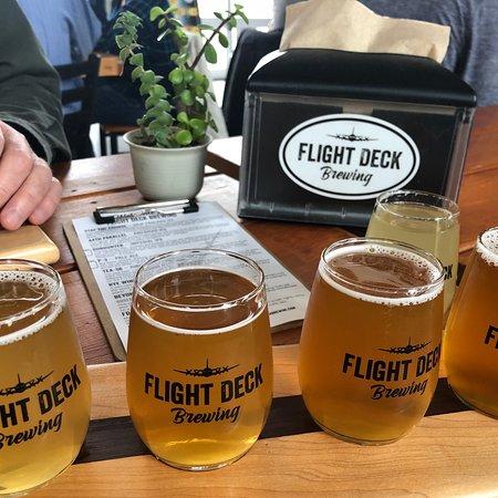Flight Deck Brewing ภาพ