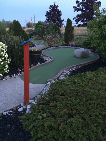 Oakville, Canada: Mini-Putt
