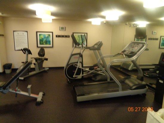 Staybridge Suites Allentown Bethlehem Airport: exercise room