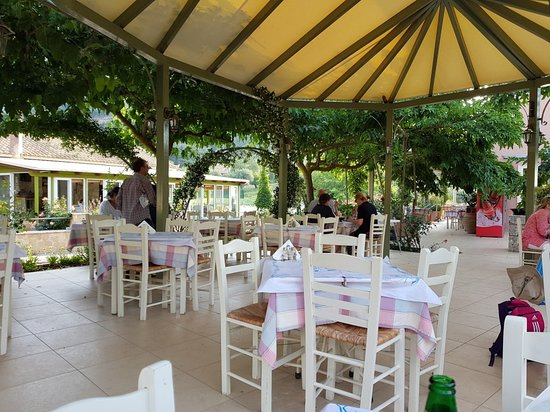 Alexandros Restaurant Photo