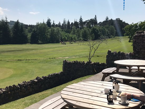 Eskdale Golf Course: Looking up the 17th
