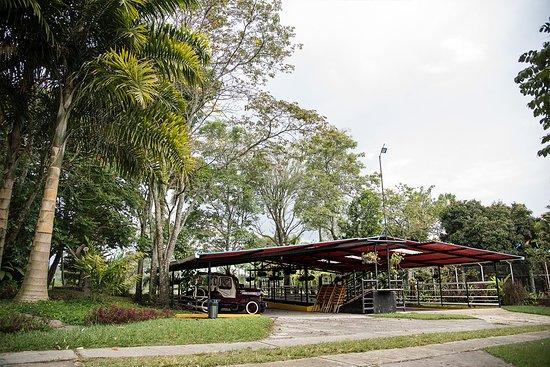 Ecohotel Las Orquideas: Parqueadero