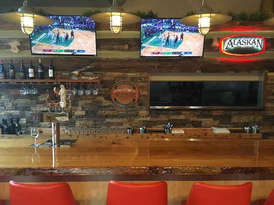 Ketchikan Crab & Grille: HDTV's while you enjoy an Alaskan Brewed Draft Beer