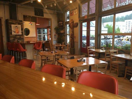 Ketchikan Crab & Grille: Full service restaurant
