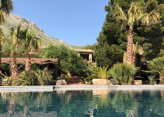 Baglio La Porta di San Gerardo: Vista dalla piscina