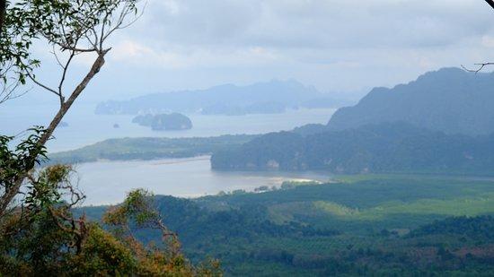 Tab Kak Hang Nak Hill Nature Trail : Le petit delta d'où partent les excursions vers le village des pirates