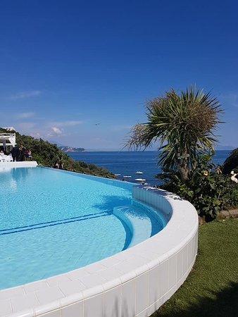Villa mirabilis bacoli ristorante recensioni numero di - Villa mirabilis piscina ...
