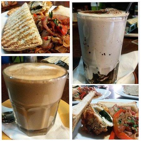 La Esquina Resto Bar Coffee: HOT CHOCOLATE - TERIYAKI - IRISH COFFE.