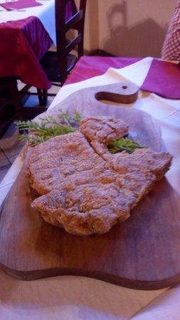 Le Barmé De L'Ours: Costata da 800 gr. cotta al forno con impanatura di segale.