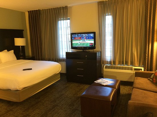 Staybridge Suites Hotel Tulsa - Woodland Hills: Queen Room