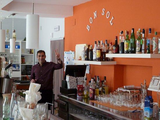 Restaurante Cafeteria Bon Sol: More friendly helpful staff