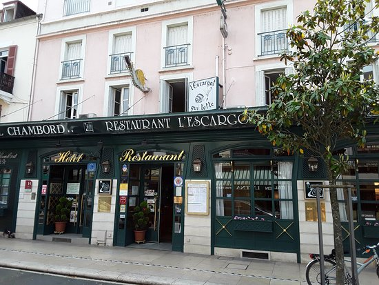 Restaurant l'Escargot Qui Tette: Vue terrasse