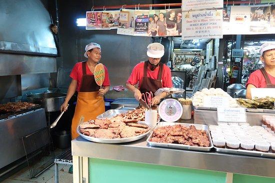 在Chatuchak市场的曼谷食物照片