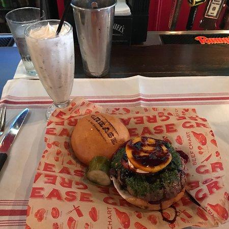 Grease Burger Beer and Whiskey Bar : Grease Burger Bar