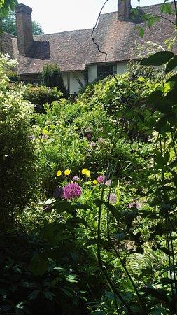 Stoneacre: secret garden