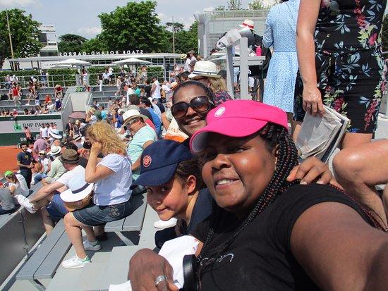Stade Roland Garros: Us ..the tennis fans..