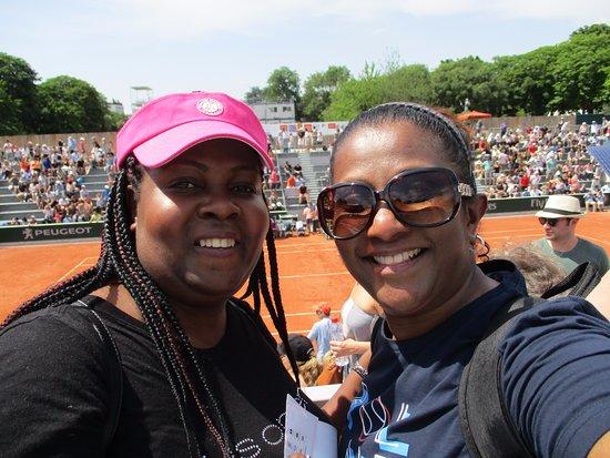 Stade Roland Garros: Die hard tennis fans..xx for decades...