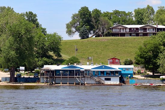 Kinder's Restaurant: Scenic attraction along the Mississippi River
