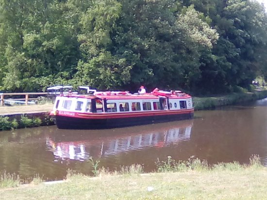Kittywake Canal Cruises: What a beautiful day we all had!!