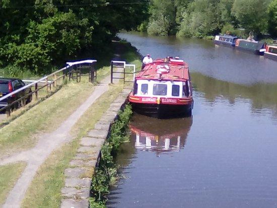 Kittywake Canal Cruises: The Elleswake & the Skipper!! 😀😀