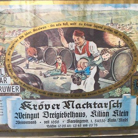 Krov, Germany: Weingut Dreigiebelhaus