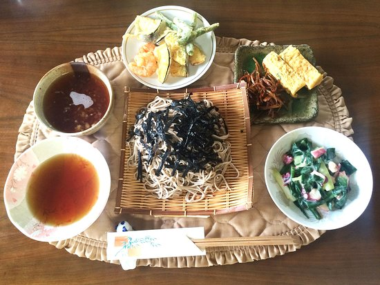 Enjoy seasonal Japanese home cooking with two charming locals in their Otsu home - Traveling Spo