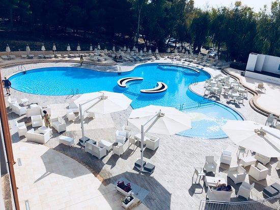 Spiagge Bianche Resort: Piscina ristrutturata del Resort.