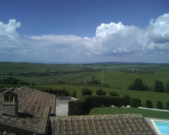 Podere Ampella: View out the back window.