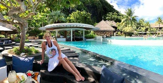 Conrad Bora Bora Nui: Great Pool with infinity edge view of the beach.