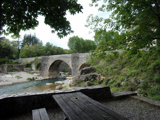 Saint-Laurent-le-Minier, Francia: le vieux pont