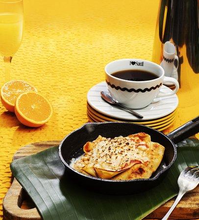 Saúl Bistro Escazú: ¡NUEVOS Good Morning Combos! Crepe Gratinada 😋por ¢3.900. Incluye jugo de naranja y café. 👌🏻