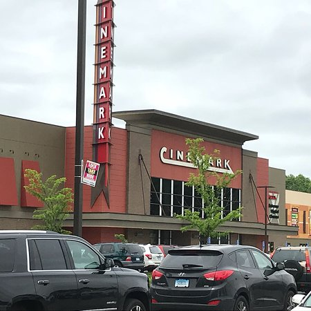 Cinemark North Haven 12