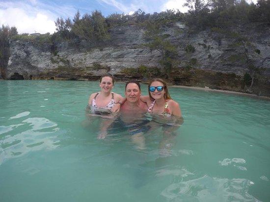 Bermuda Catamaran Sail and Snorkel Tour: Hanging by the cliffs