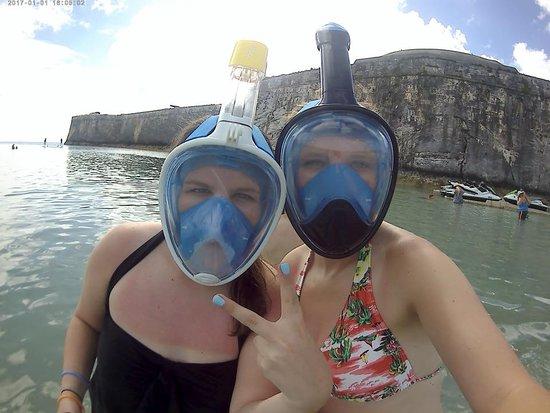 Bermuda Catamaran Sail and Snorkel Tour: Aliens snorkeling?